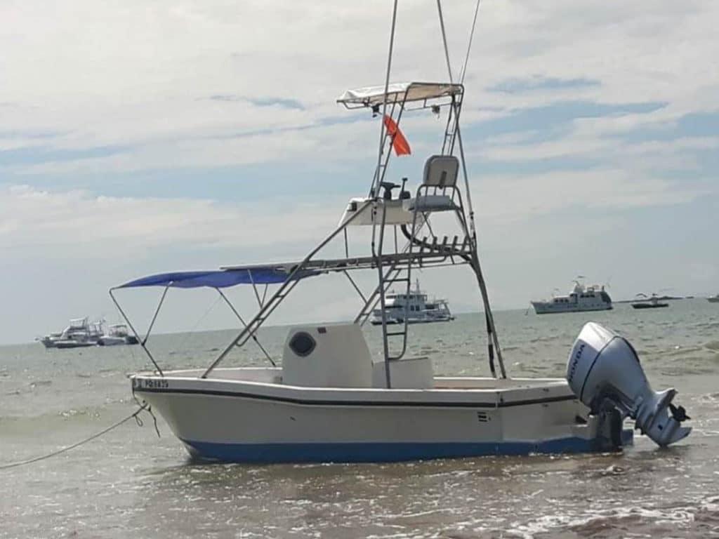 29 ftFishing Boat in Jaco Beach