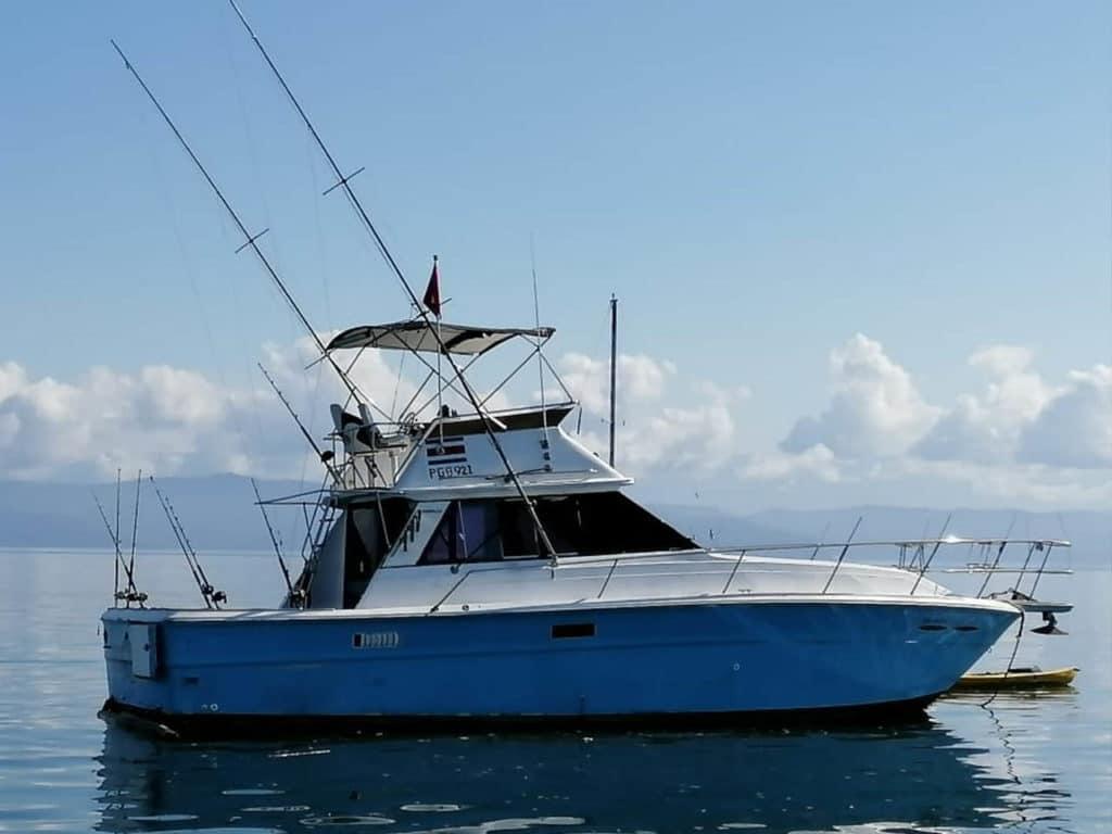 40ft Boat in Herradura Bay